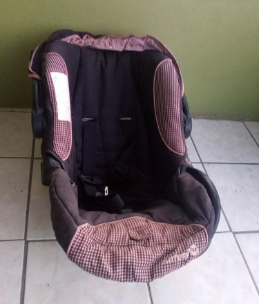 Pre-Owned Baby Car Seat For Sale.