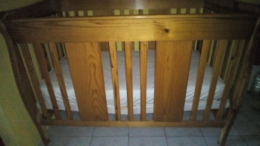 Baby Crib For Sale With Mattress.