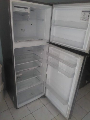 Samsung 14 Cubic Ft. Inverter Fridge (USED)