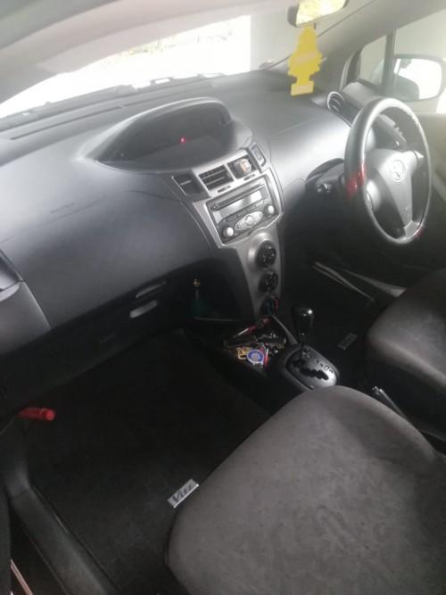 2008 Toyota Vitz