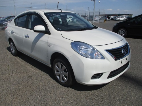 2014 Nissan Tiida Latio 1200cc (WhatsApp)