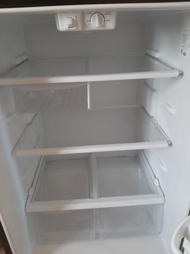 Frigidaire 18 Cu Ft Refrigerator
