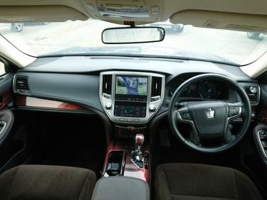 2014 Toyota Crown Royal Saloon HYBRID