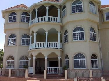 8 Bedroom House