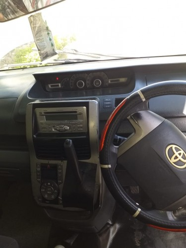 2008 Toyota Voxy (Gear Box)