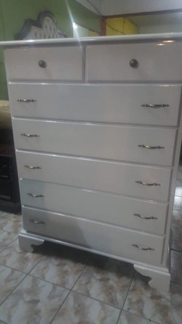 Beautiful White Chest Of Drawers For Sale