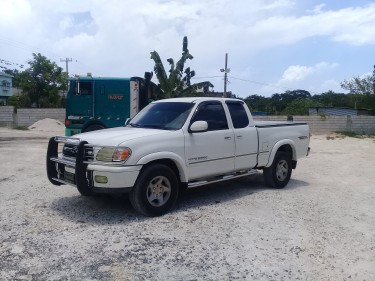 2001 Toyota Tunda