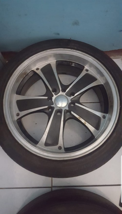 17 Inch Rims And Tire For Sale.