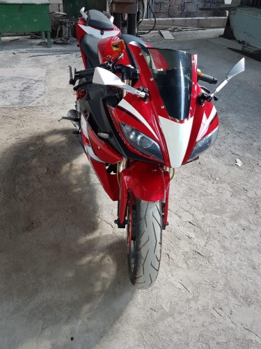 ALMOST BRAND NEW 250CC BIKE