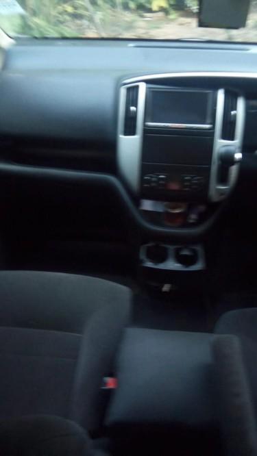 2009 Nissan Serena