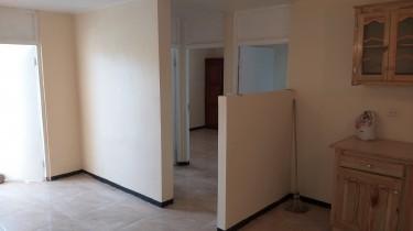 2 Bedroom Apt 137, 49 Whitehall Ave, Kgn 8