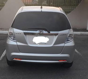 2013 Honda Fit – 1,250,000 (ON SALE!!!)