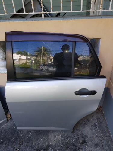 Nissan Tiida Doors