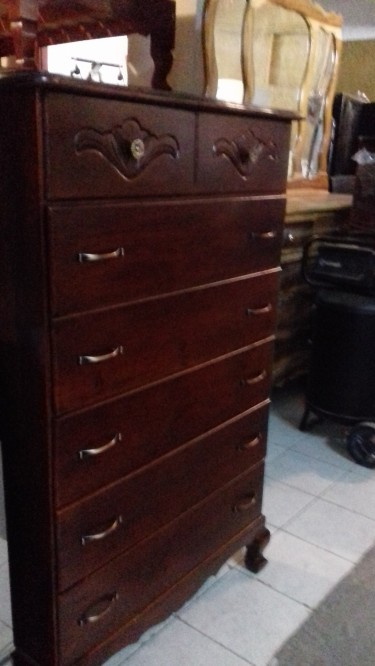 Beautiful Solid Wood 7 Drawer Chest Of Drawers For