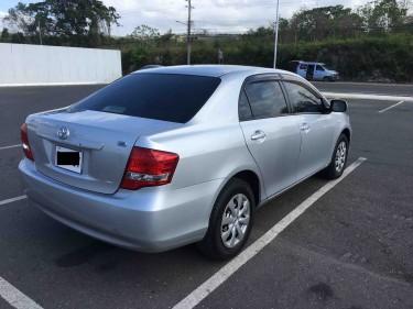 Toyota Corolla Axio (like-new)