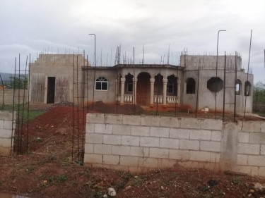 Beautiful Unfinished 4 Bedroom 3 Bathroom House