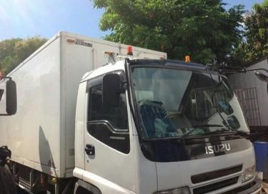 2004 Isuzu Forward Freezer Truck
