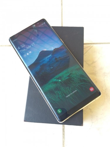MINT GALAXY NOTE 8 DUOS