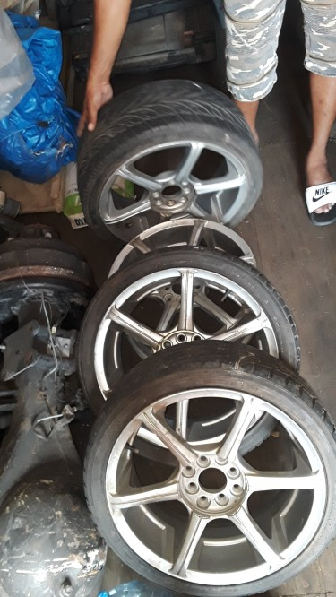 17 Inch Rims 4 Lug Universal With Tyres