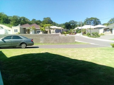 FULLY FURNISHED 4 BED 3 BATH IN GATED COMMUNITY