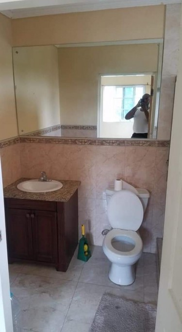 1 Bedroom Own Bathroom
