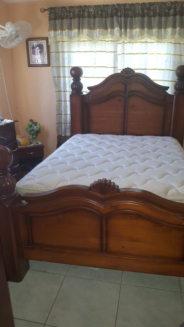 Fairly New Bed In Excellent Condition