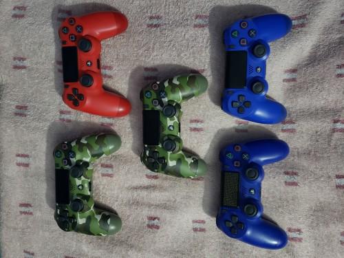 FAILY NEW PS4 CONTROLLER