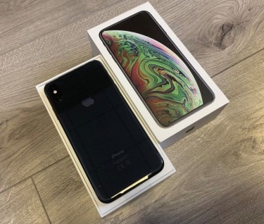 Apple IPhone XS 64GB = $450US , IPhone XS Max 64GB