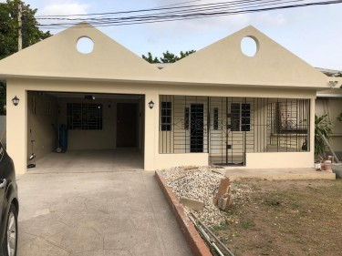 Unfurnished 2 Bedroom 1 Bath Small Side Of House