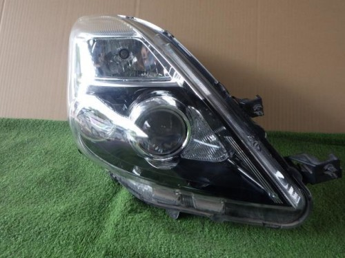 Toyota Isis 2009..parts Doors ,LED Lights