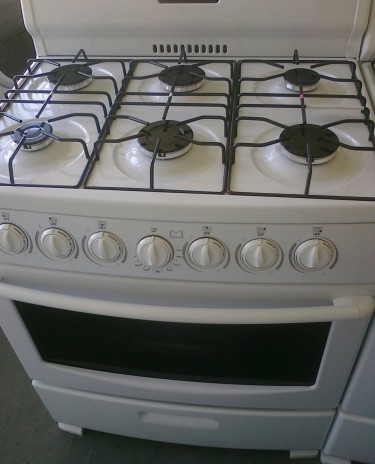 (Used ) 6 Burner Gas Stove For Sale