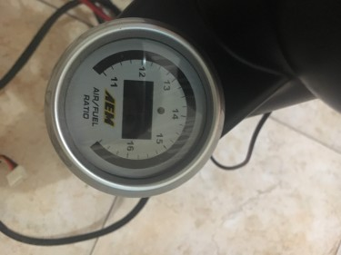 Aem Wideband And Autometer Oil Pressure Gauge