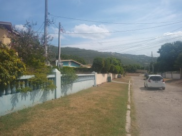 A Spacious 1 Bedroom Flat In Patrick City