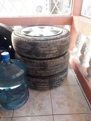 Nissan Tiida Steal Rims And Tyres