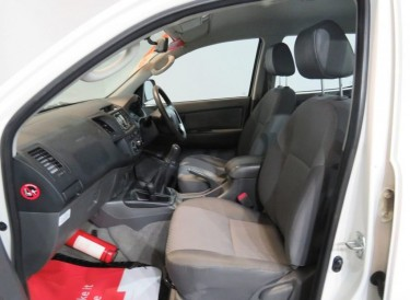 2013 Toyota HILUX Double Cab 4WD For Sale