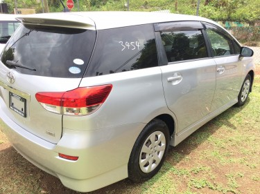 2010 TOYOTA WISH NEWLY IMPORTED