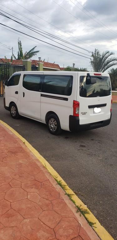 Nissan Caravan Nv 350