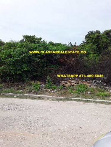 1/3 ACRE OF FLAT READY TO BUILD ON LAND