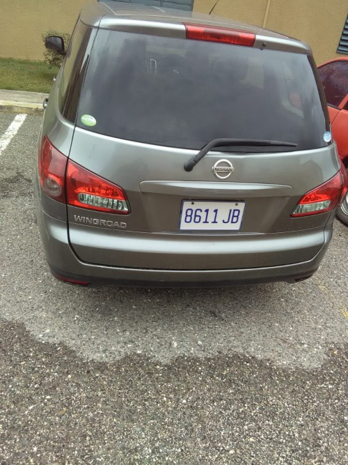 2006  Grey Nissan Wingroad