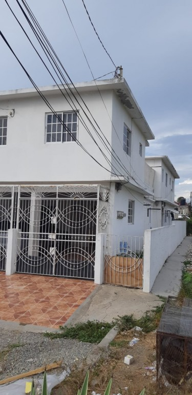 Large FourPlex 6 Bedroom House For Sale