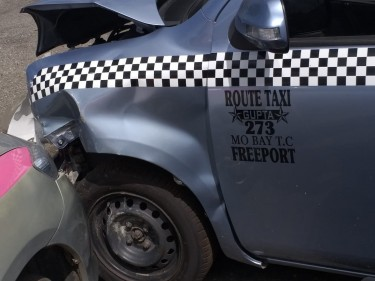 Damaged 2013 Toyota Sienta