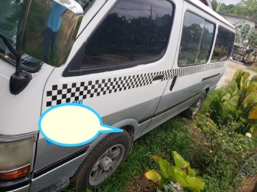 2000 Hiace Bus