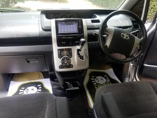2012 Toyota Noah