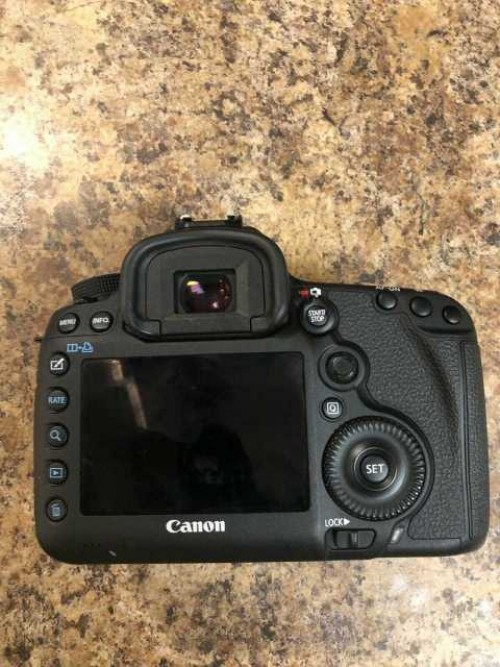 Orginal Brand New Digital  Camera Canon Mark 5D