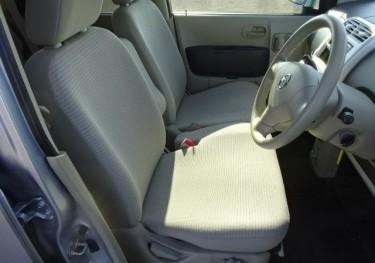 2013 Nissan Hatchback