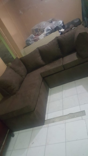 BEAUTIFUL BROWN SECTIONAL FOR SALE