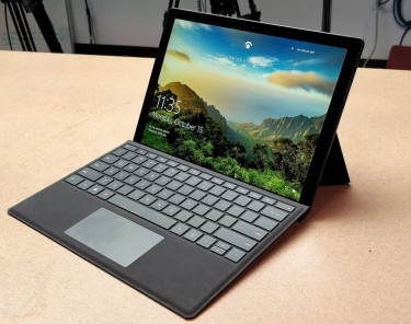 Microsoft Surface Pro 6 - Canada Version