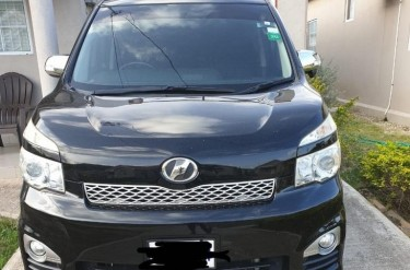 2012 Toyota Voxy ZS – $2,400,000 Negotiable