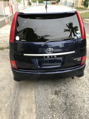 2010 Toyota Isis Platana NEW IMPORT