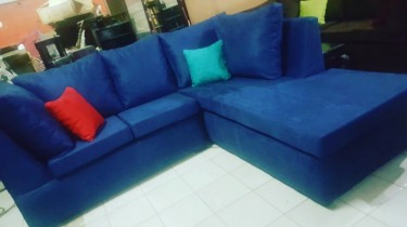 BEAUTIFUL BLUE SECTIONAL FOR SALE